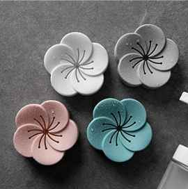 Flower-Shaped Aromatherapy Box Air Freshener  - 1 Pc
