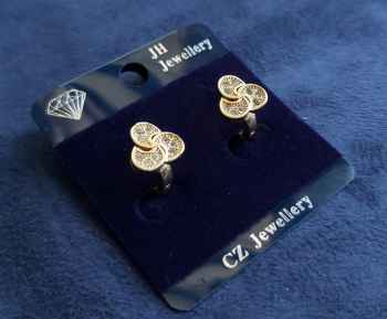 STAINLESS STEEL AND BRASS MATERIAL ALLOW LONG LASTING EAR RINGS BEAUTIFUL DESIGN